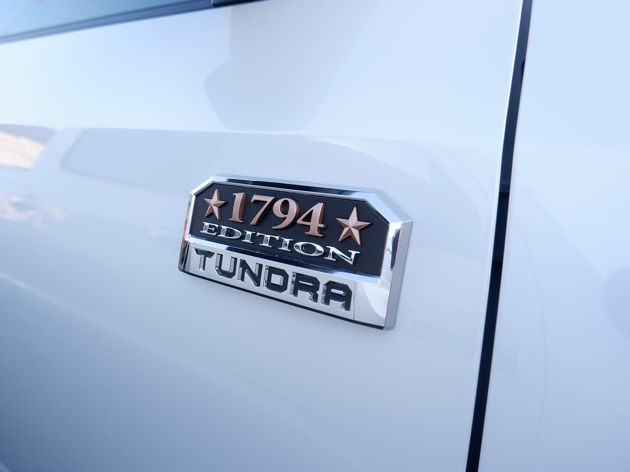 新車2021年モデル タンドラ クルーマックス アメリカモデル パールホワイト