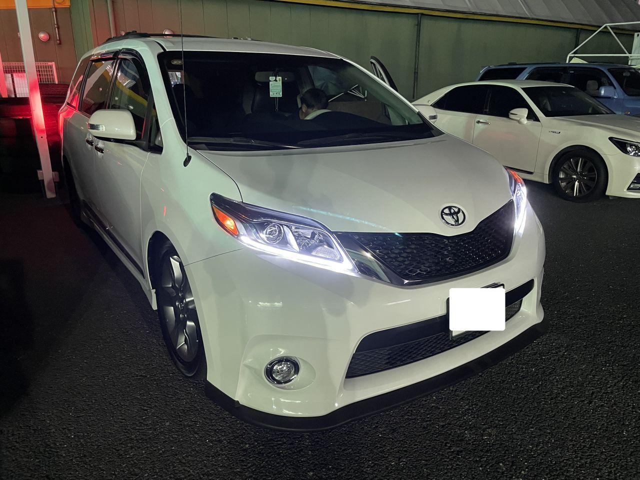 シエナ アメリカモデル 新車並行 custom USトヨタ 専門店 ヘッドライト 交換社外 デイライト USDM